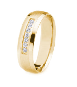 14K GOLD MEN'S WEDDING BAND WITH SATIN FINISH AND POLISHED BEVELED EDGES | SEVEN DIAMONDS (.12CTTW)