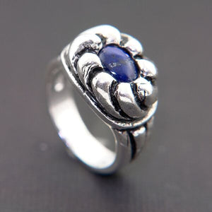 STERLING SILVER RING WITH FLOWER DESIGN AND GENUINE LAPIS