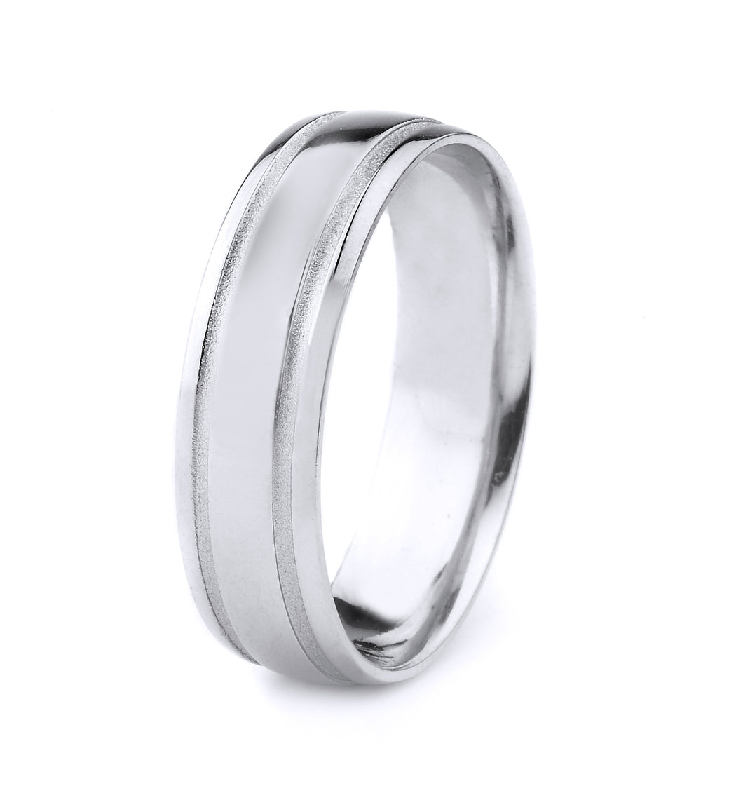 18K GOLD MENS WEDDING BAND WITH POLISHED FINISH AND PARALLEL MATTE GROOVES