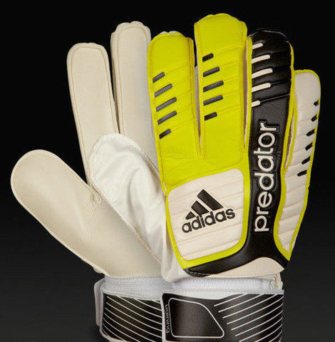 ADIDAS PREDATOR TRAINING GOALKEEPER GLOVES.