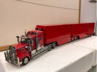 1:32 Kenworth T909 B Double (Red)