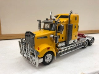 1:32 Kenworth T909 Prime Mover (Yellow)