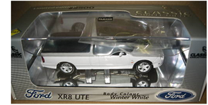 1:43 Ford Falcon XR8 Ute 2002 (Winter White)