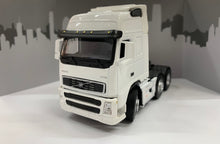 Load image into Gallery viewer, 1:50 Volvo Prime Mover