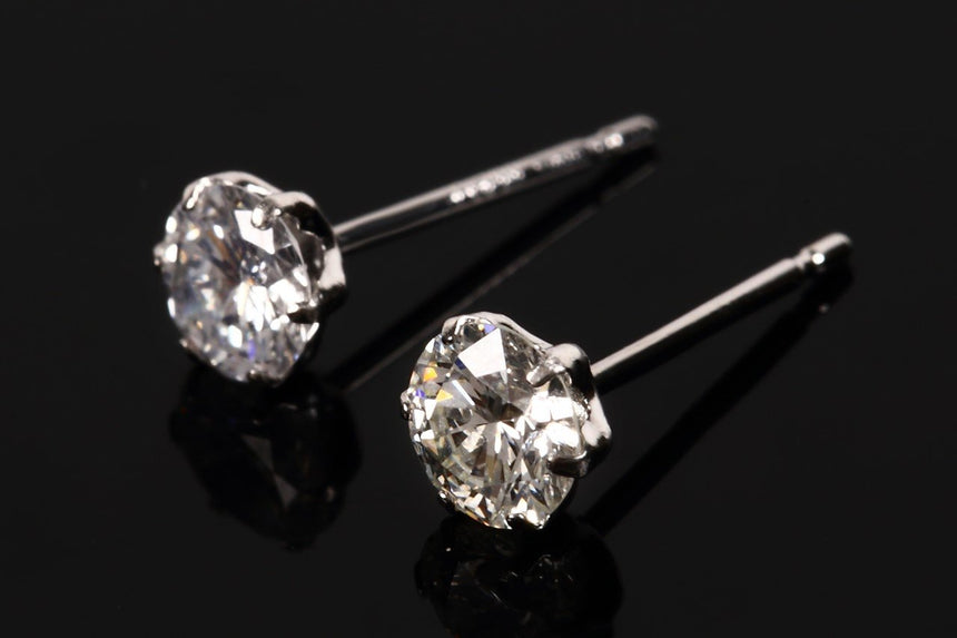 K18 1.0ct Diamond 6 claw Stud Earrings