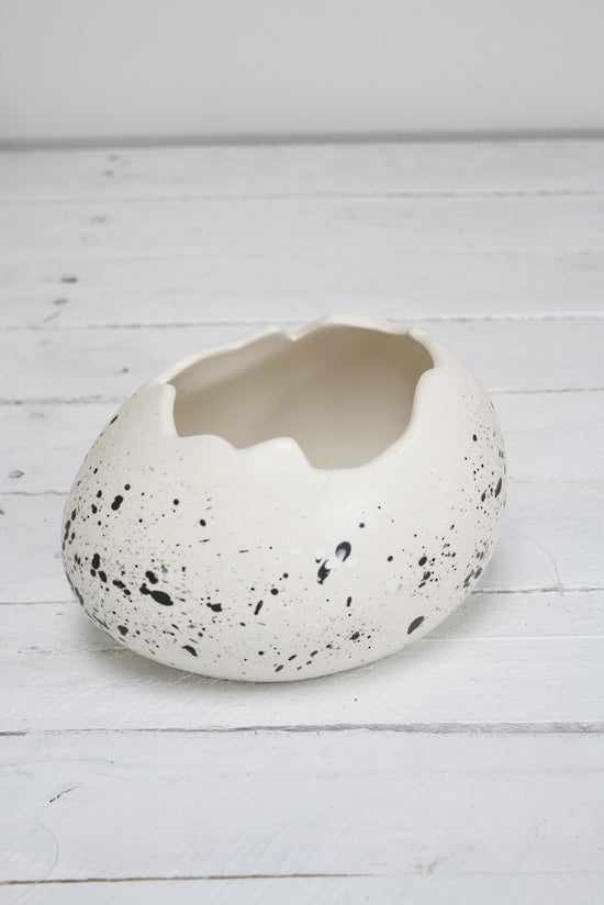 Egg Shell Pot