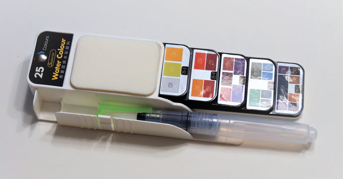 Collapsible watercolor set with brush pen, 25 colors.