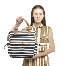 Load image into Gallery viewer, Pre-packed Maternity Hospital Set - Fashionable Style - Black & White Pattern