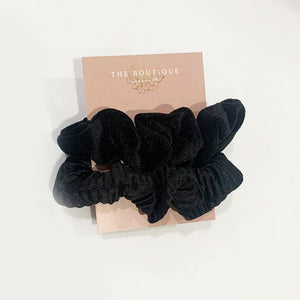 Grace Textured Set of Scrunchies In Black