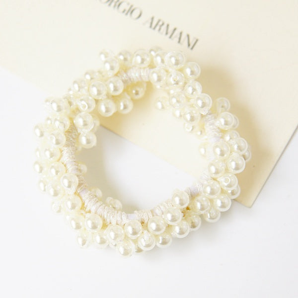 Orin Pearl Scrunchie In White