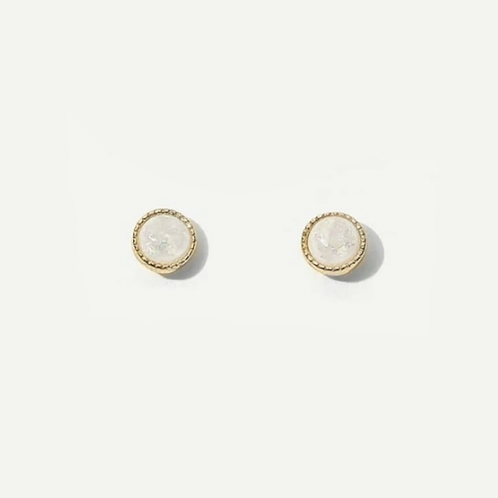 Carter Stud Earrings In Pearly White