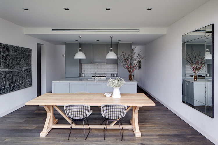 Axel Dining table by MCM House