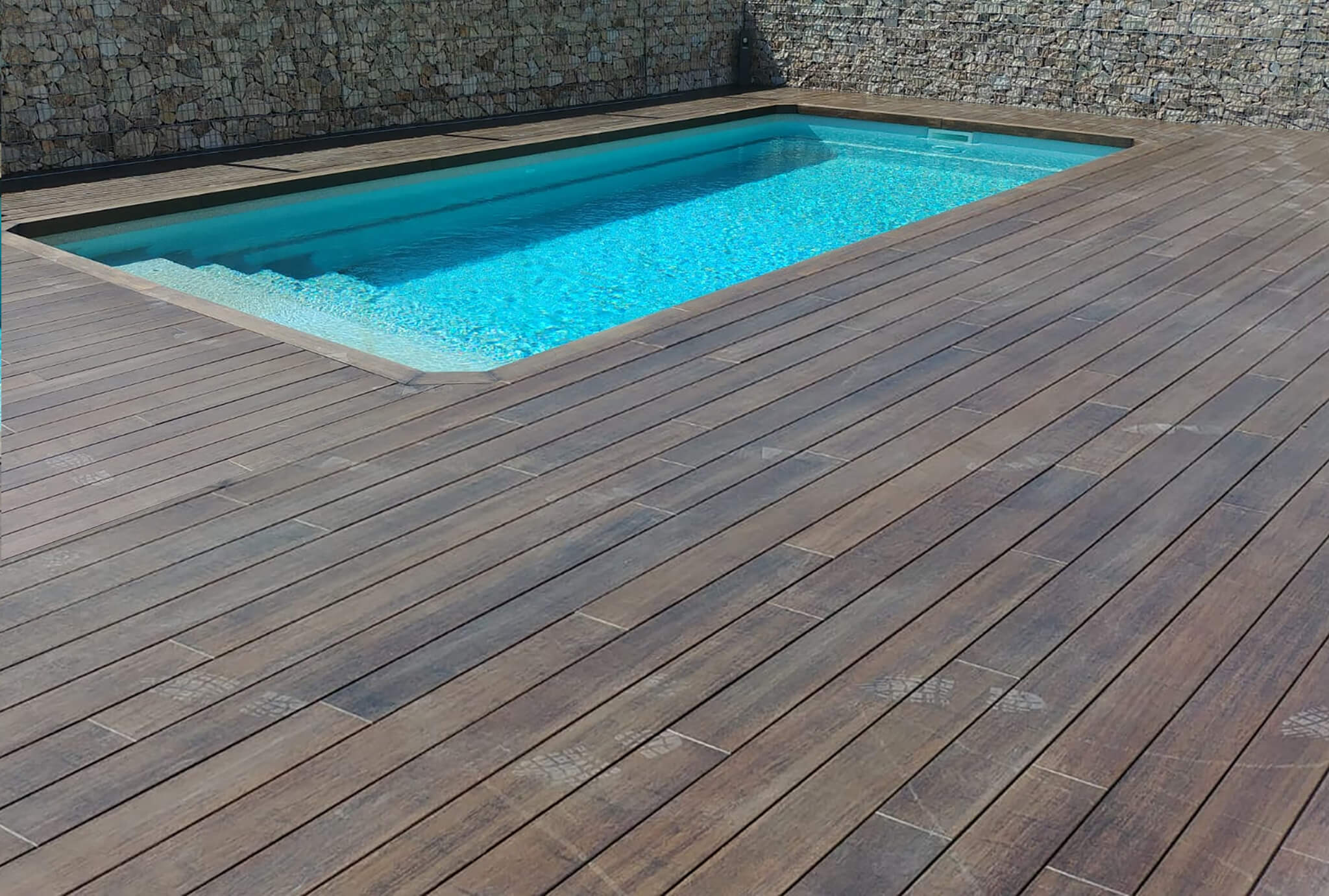 Exterpark Bamboo Carbonized Swimming pool Madrid