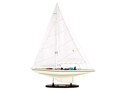 Courageous Model Boat