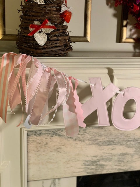 Solid Pink XOXO Banner