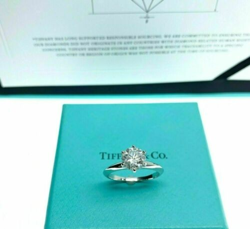 Tiffany & Co. 1.27 Carats F VS1 Round Diamond Platinum Solitaire Ring w Cert
