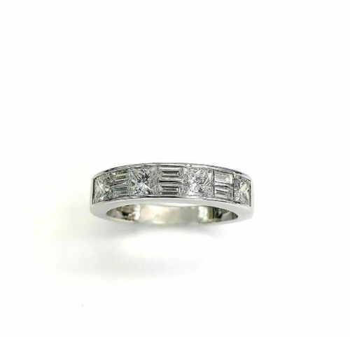 1.95 Carats t.w. Diamond Anniversary/Wedding Ring 18K Gold VS Diamonds Platinum