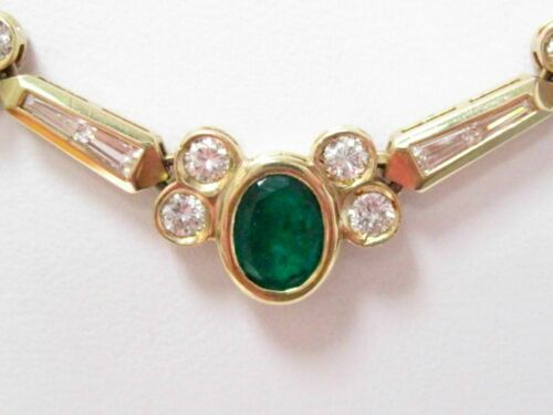 Fine 18k Yellow Gold Emerald and Diamond Pendant Necklace
