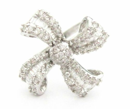 1.27 TCW Round & Baguette Cut Diamonds Cluster Cocktail Floral Ring G SI1 18k