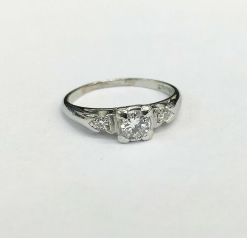 Antique Platinum Diamond WeddingRing Circa 1940's 0.40 Carat t.w. F SI Diamonds