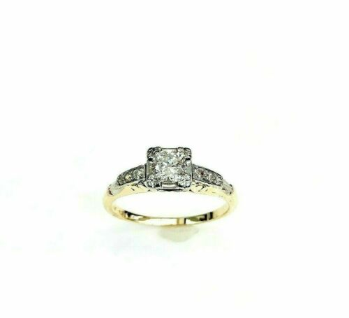 Antique 0.40 Carat t.w. Diamond Wedding Engagement Ring Circa 1950's 14K Gold