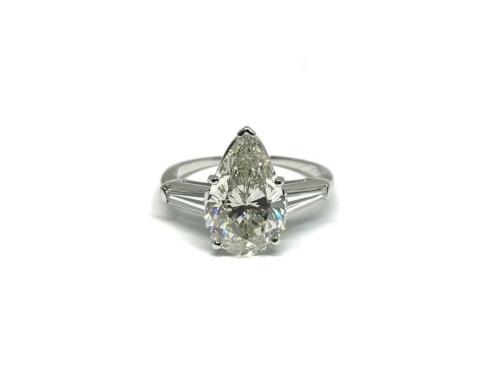 Platinum Ring with GIA - I/VS1 3.01ct Pear shape Diamond and 2 side baguettes