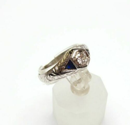 Antique Art Deco Diamond and Sapphire Wedding Ring 18K Gold 0.62 Carat t.w.