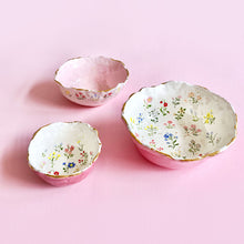 Load image into Gallery viewer, Spring floral illustration handmade pink bowls