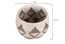 Load image into Gallery viewer, Natural Woven Seagrass Basket