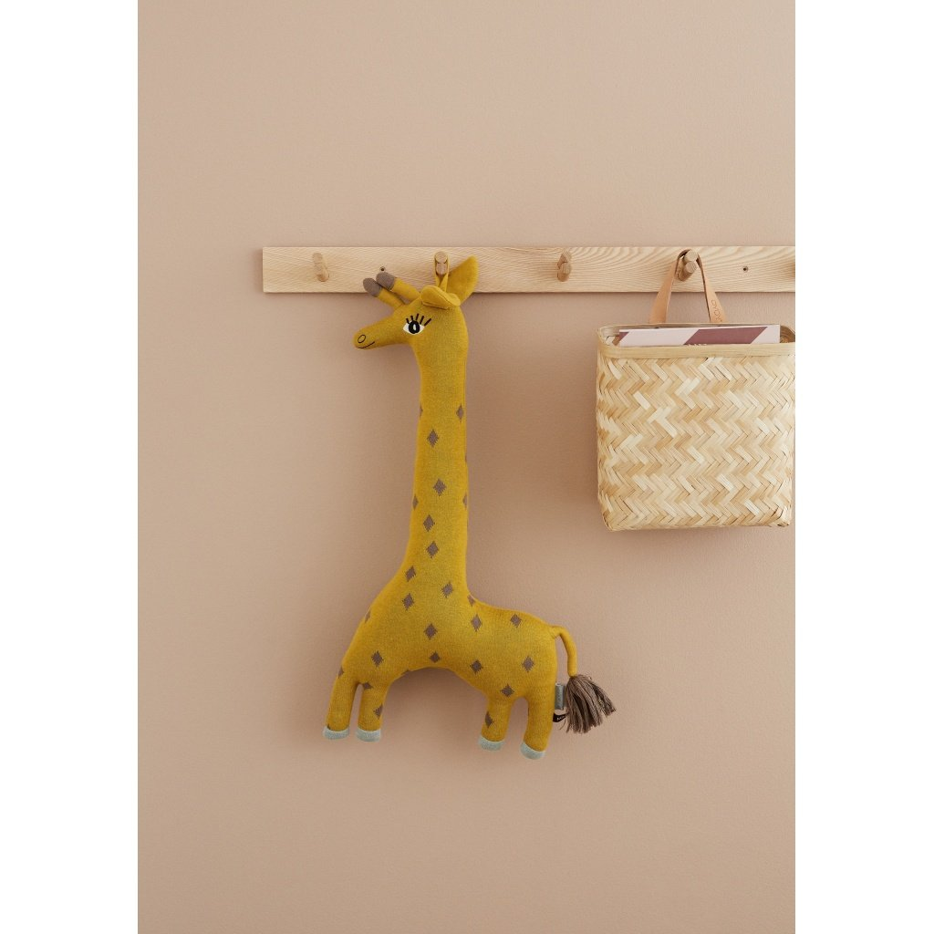 OYOY Giraffe cushion Noah