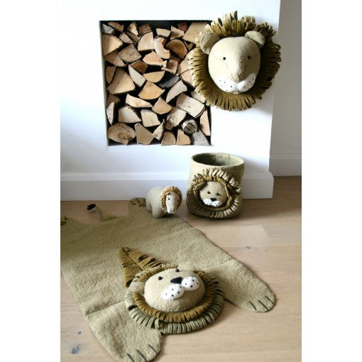 Lion rug Fiona Walker