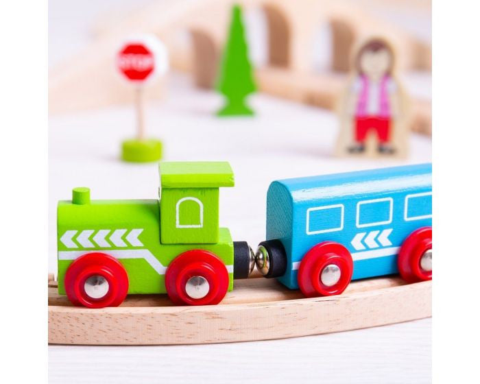 Wooden train set Bigjigs