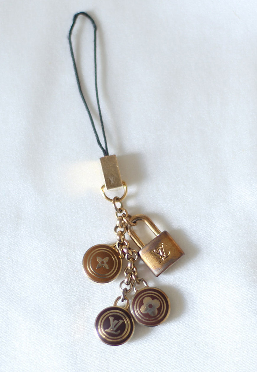 Reworked Louis Vuitton Dark Brown Round Flower Pendant Necklace 2