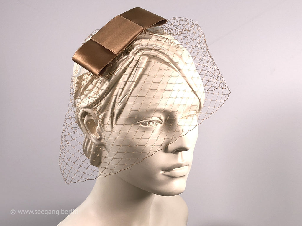 VEIL HEADDRESS IN SHADES OF BROWN, BEIGE AND NUDE SHADES