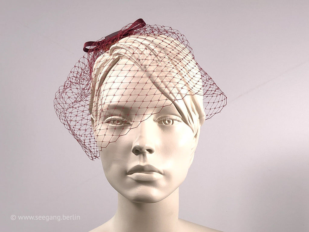BIRDCAGE - VEIL HEADDRESS IN SHADES LIKE RUBY RED AND DARK RED, ROUGE AND BORDEAUX TONES