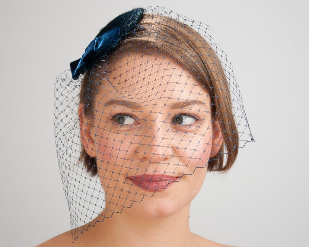 BIRDCAGE - VEIL FASCINATOR IN NAVY BLUE VINTAGE STYLE © Seegang Berlin