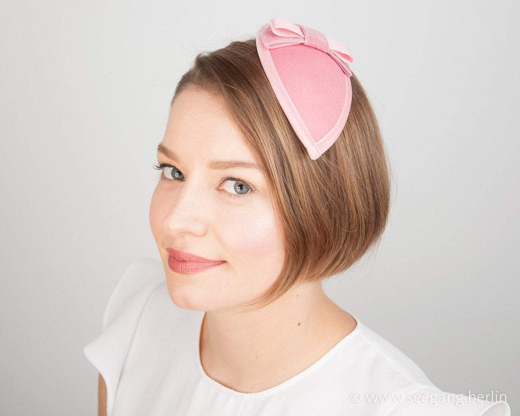 FASCINATOR - DROP SHAPE HEADDRESS WITH VELVET BOW IN LIGHT ALMOND BLOSSOM PINK © Seegang Berlin