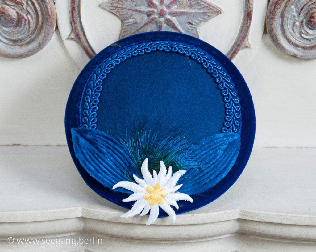 FASCINATOR - ROYAL BAVARIAN BLUE HAT WITH GENTIAN AN VINTAGE VELVET LEAFS © Seegang Berlin