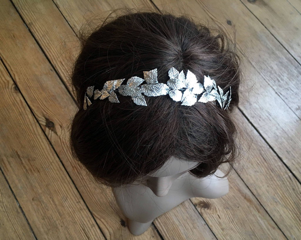 HAIR CIRCLET - BRIDAL HAIR JEWELLERY WITH FAIRY LEAFS IN SILVER COLOR FOR WOODLAND STYLES © Seegang Berlin