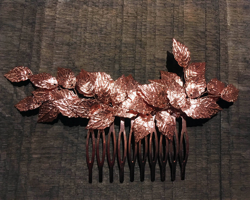 HAIR COMB - BRIDAL JEWELLERY WITH LEAFS IN TRENDING RED ROSÉ GOLD © Seegang Berlin