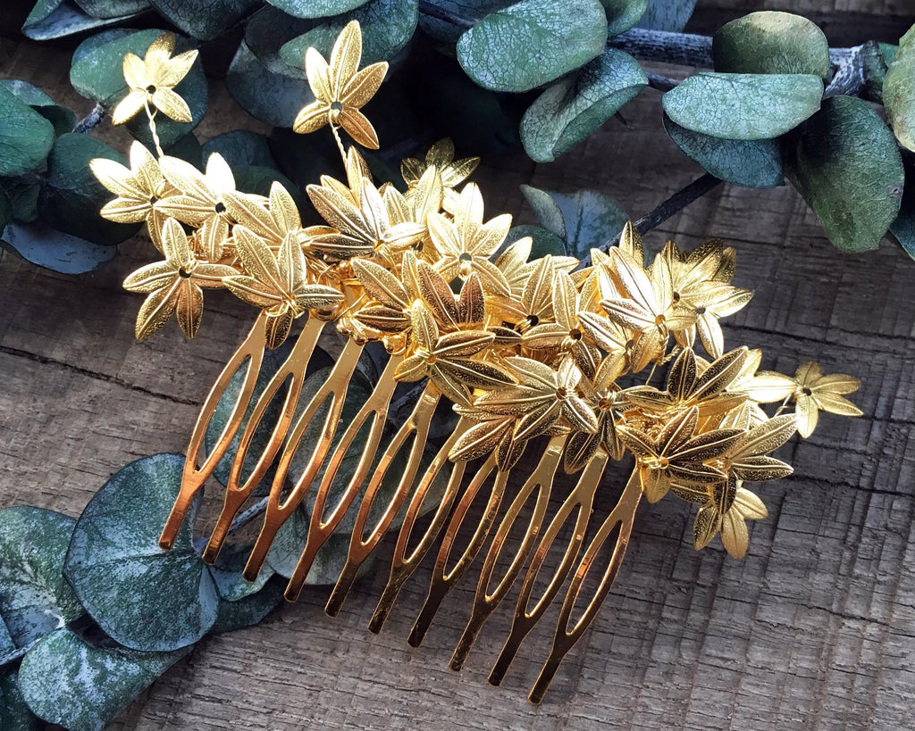 HAIR COMB - JEWELRY BRANCH OF LEAVES IN VINTAGE BOHO STYLE © Seegang Berlin