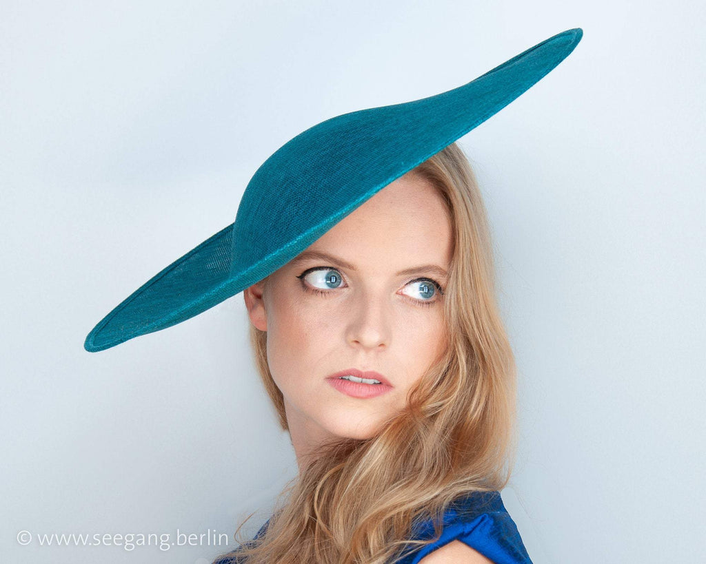 HALO HAT - SUMMER HAT FOR A STUNNING, FRESH AND LIGHT LOOK COLOUR TEAL OR PETROL GREEN © Seegang Berlin