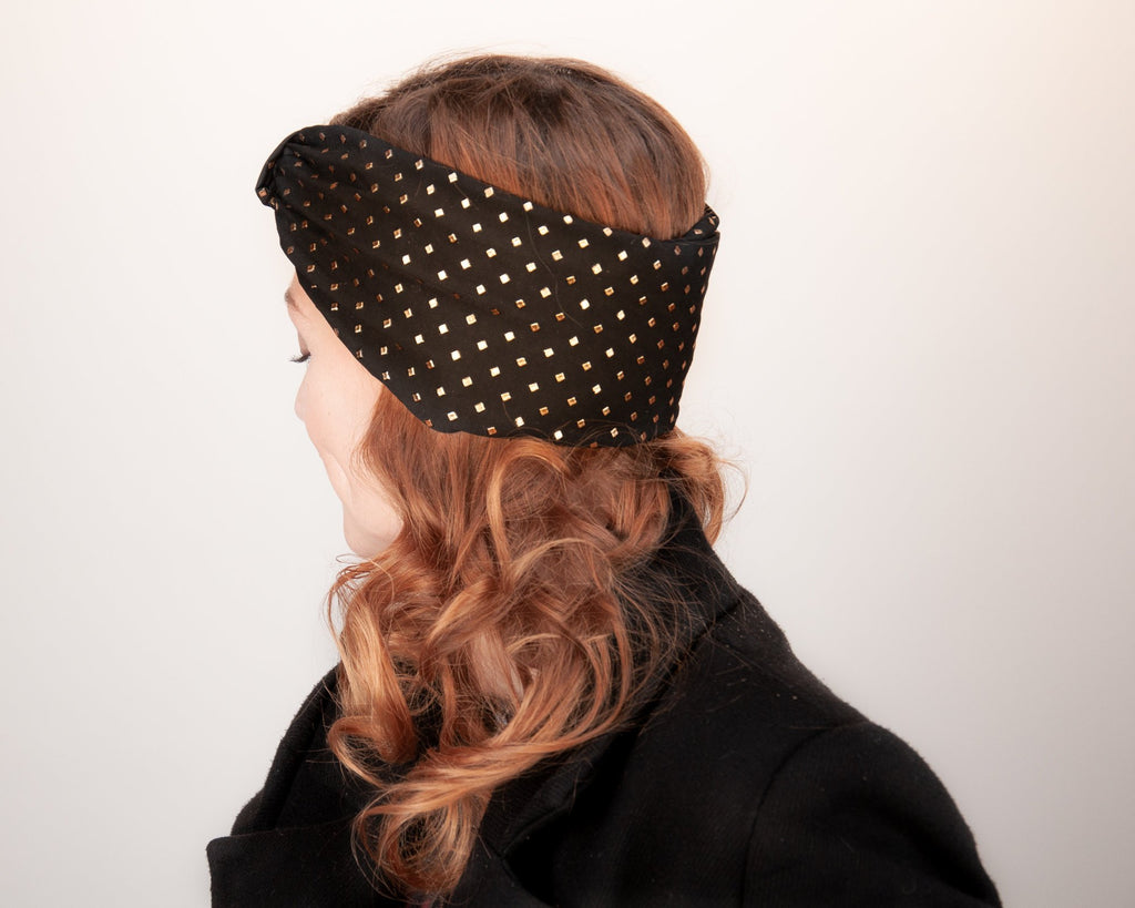 HEADBAND - TURBAN STYLE DELUXE IN BLACK WITH GOLDEN SQUARES © Seegang Berlin