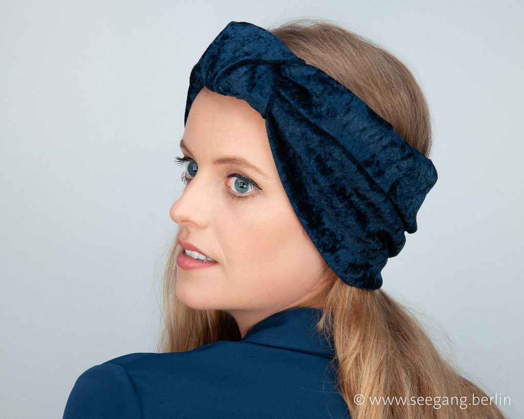 HEADBAND - TURBAN STYLE IN COSY AND SHINY DARK BLUE VELVET © Seegang Berlin