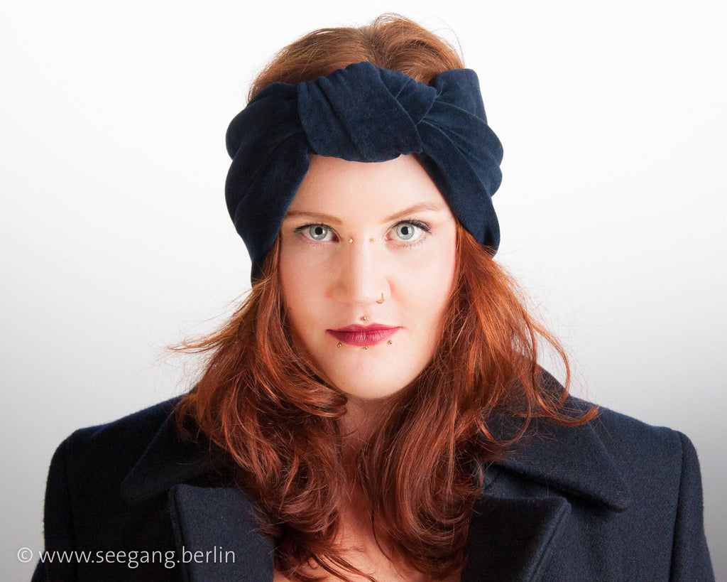 HEADBAND - TURBAN STYLE IN COSY COTTON VELVET IN DARK BLUE © Seegang Berlin