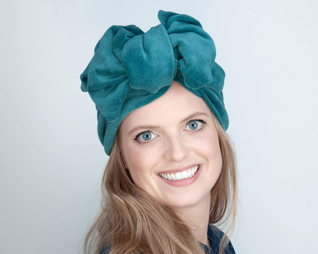 HEADBAND - TURBAN STYLE WITH A BIG BOW IN PETROL TEAL COLORED COSY VELVET © Seegang Berlin