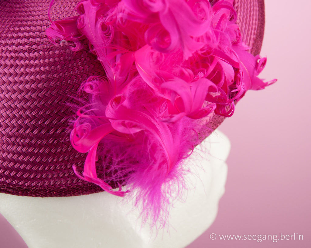STATEMENT HAT - ASCOT WORTHY EXTRAVAGANT HEADPIECE © Seegang Berlin