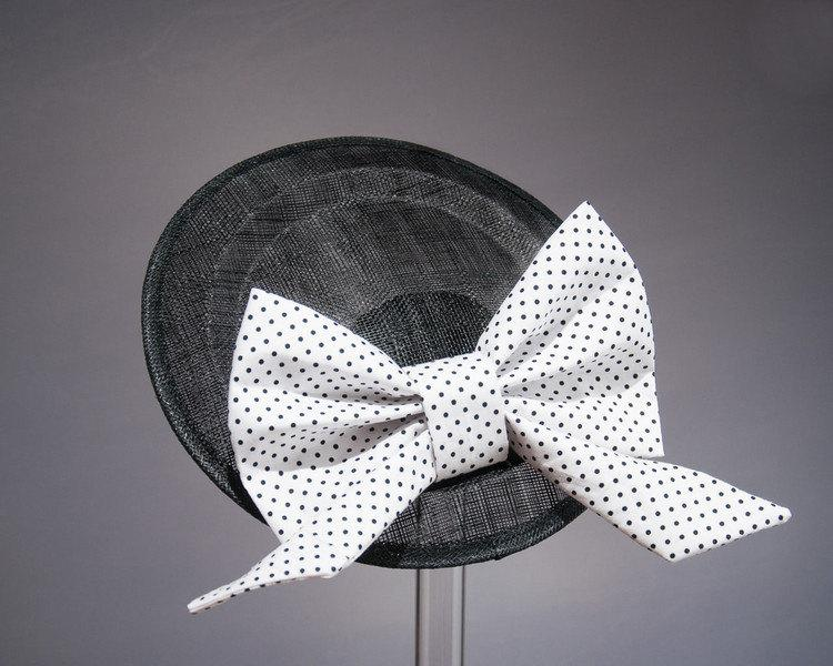STATEMENT HAT - MAKE YOUR 50s VINTAGE STYLE OUTFIT COMPLETE © Seegang Berlin