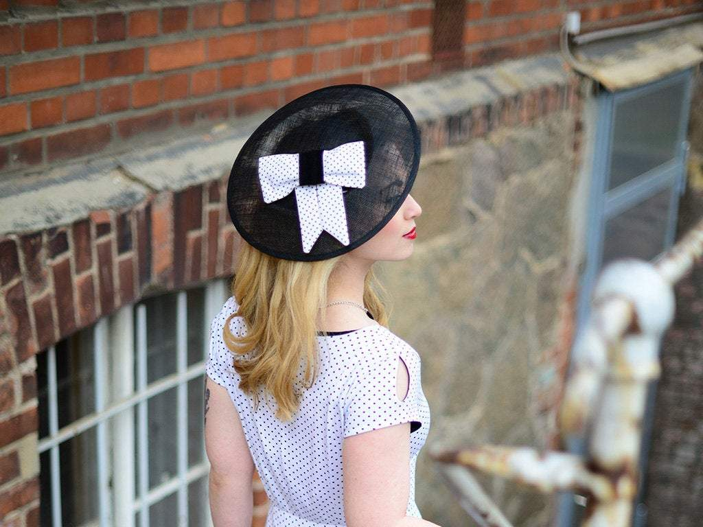 STATEMENT HAT - THE BIGGER THE BETTER 50s STYLE SUMMER DREAM © Seegang Berlin