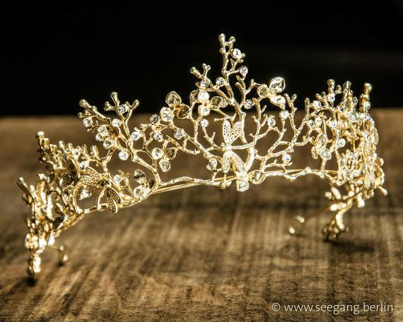 TIARA - BRIDAL JEWELLERY WITH DRAGONFLYS IN GOLDEN COLOR © Seegang Berlin